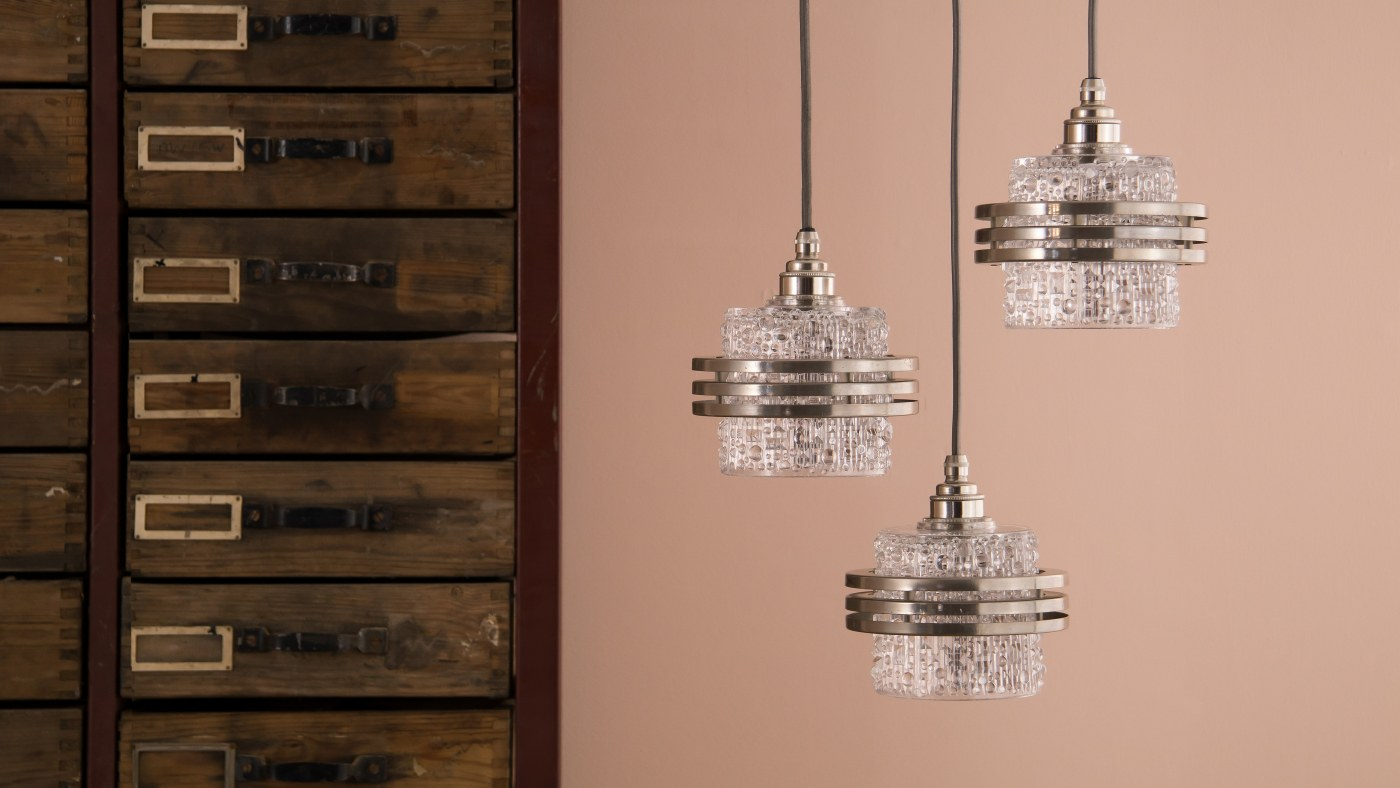 Three steps to finding the perfect retro chandelier