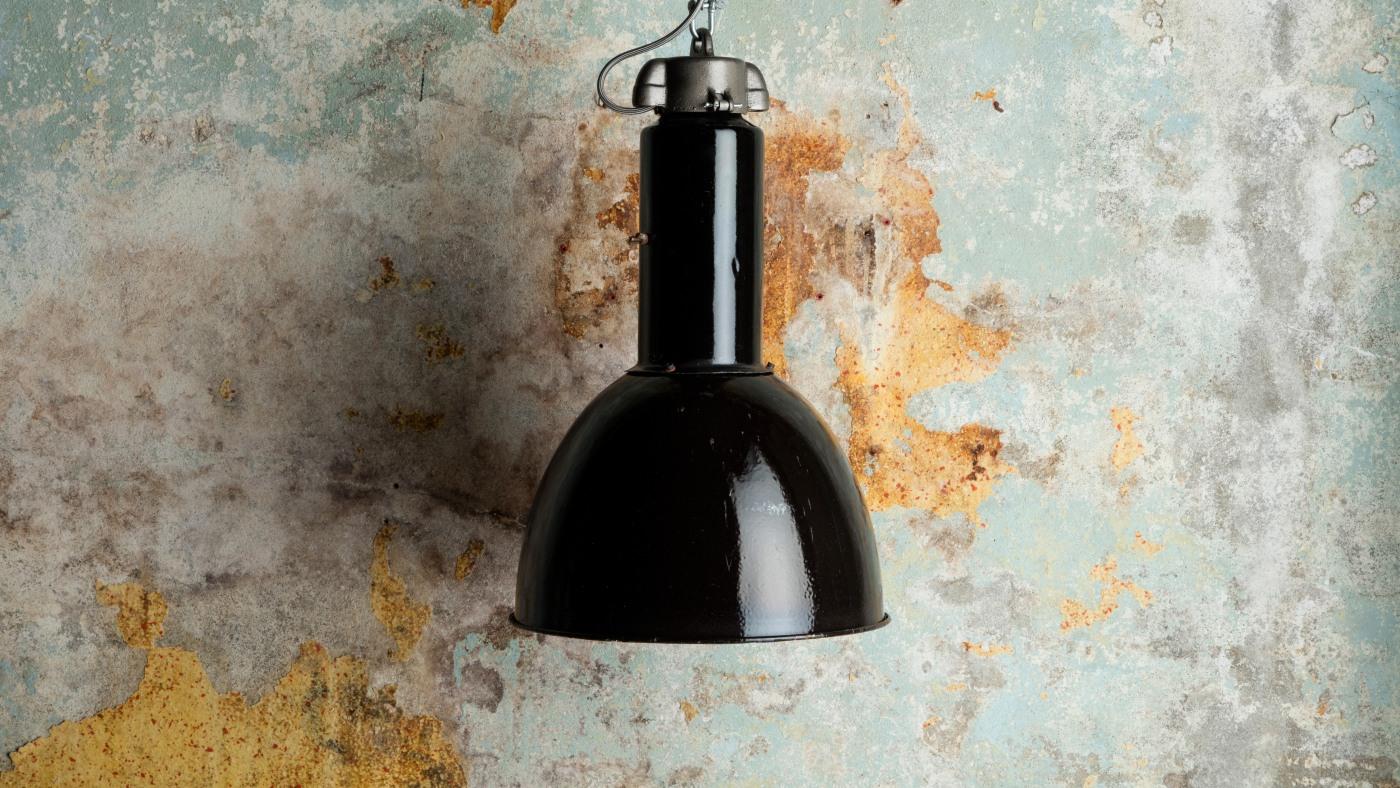 Win a Bauhaus-style vintage pendant light