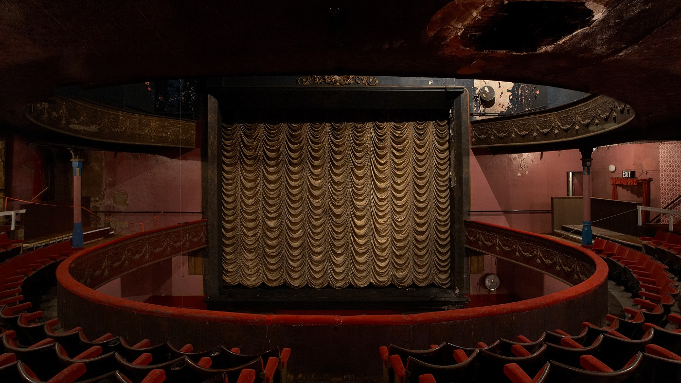 Vintage Theatre Lighting from skinflint