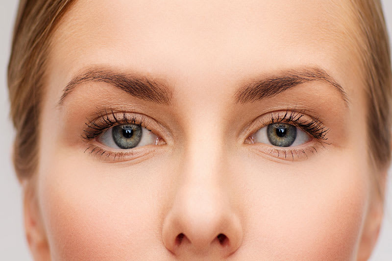 Woman with tamed eyebrows