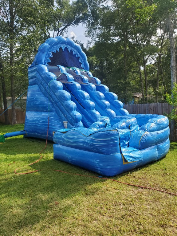 20ft Raging Rapids with dual curve slide