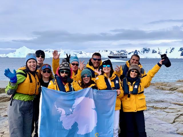 Continental landing in Antarctica with the my group (January 2020)