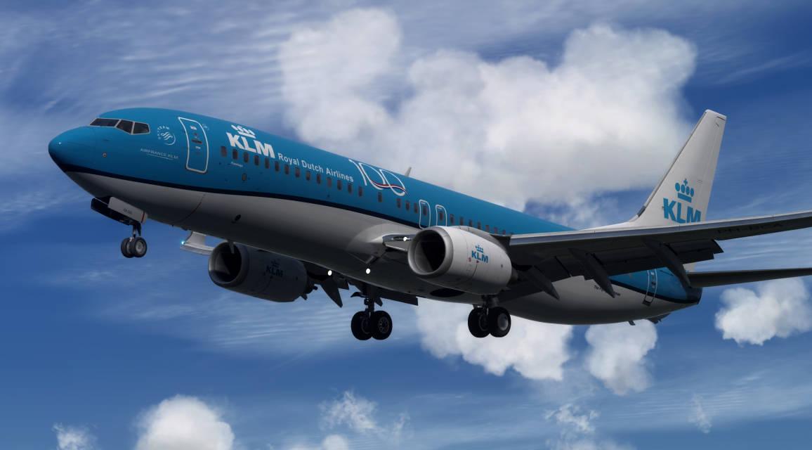 KLM B738