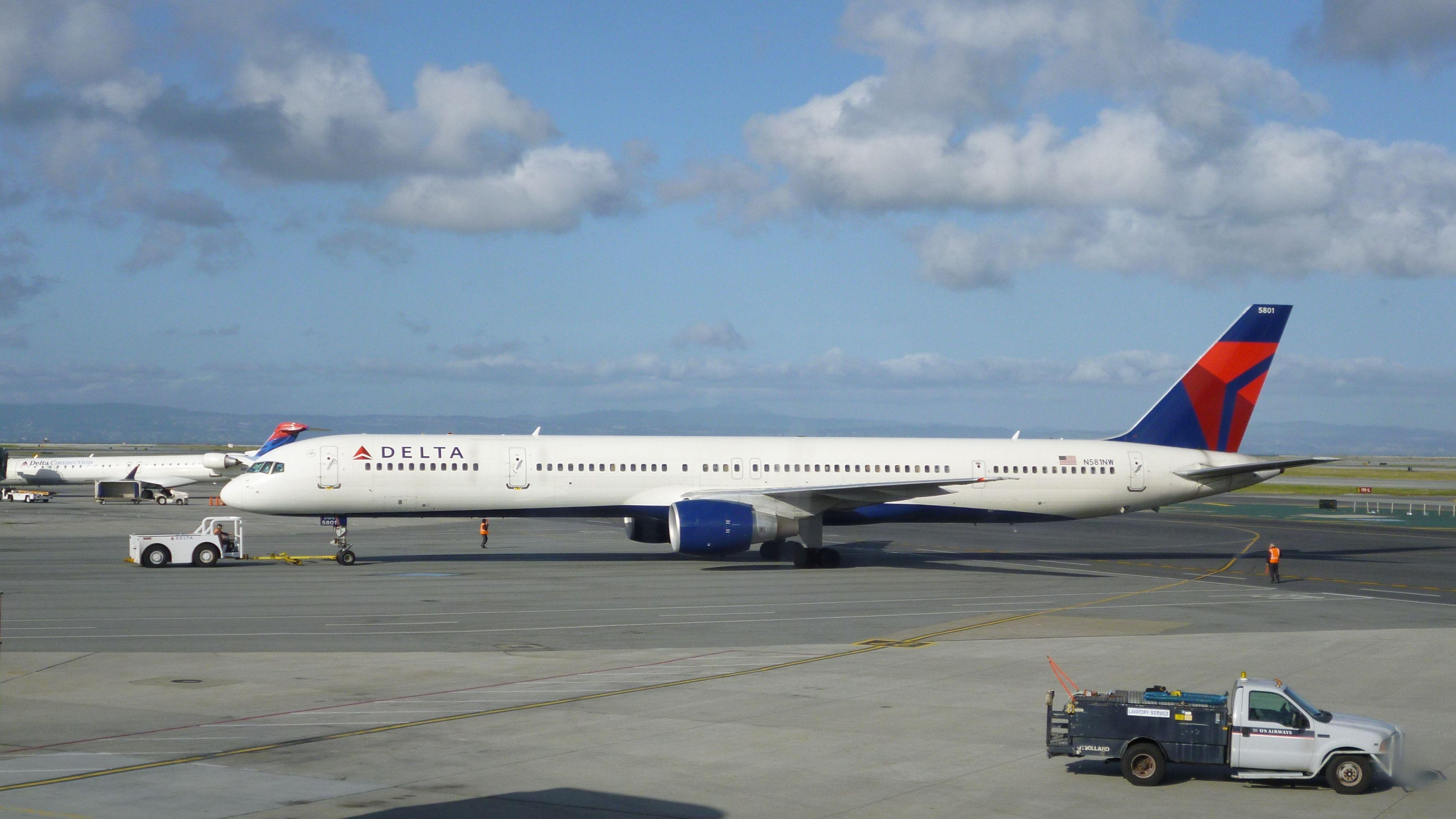 Boeing 757-351(WL)