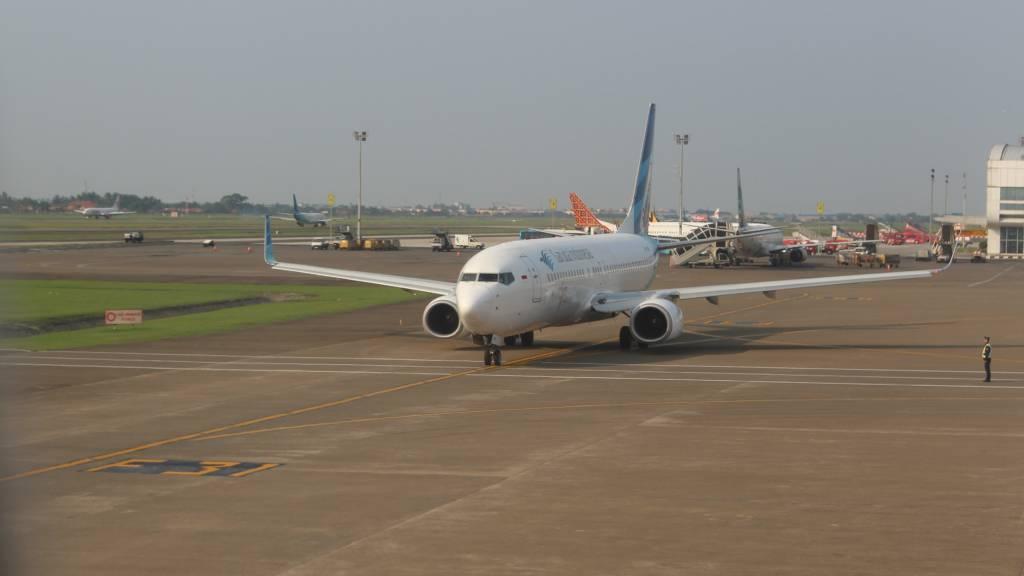 Boeing 737-8U3(WL)