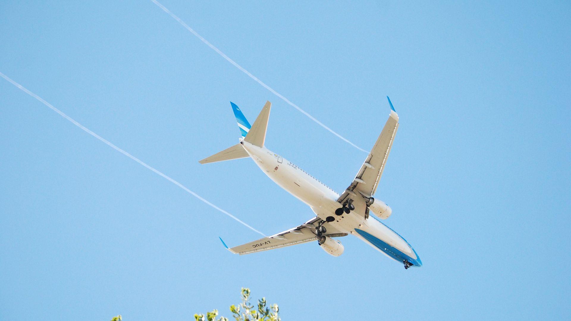 Boeing 737-81D(WL)