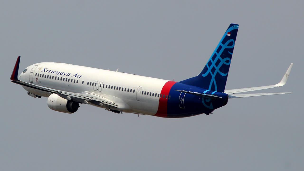 Boeing 737-9LP(ER)(WL)