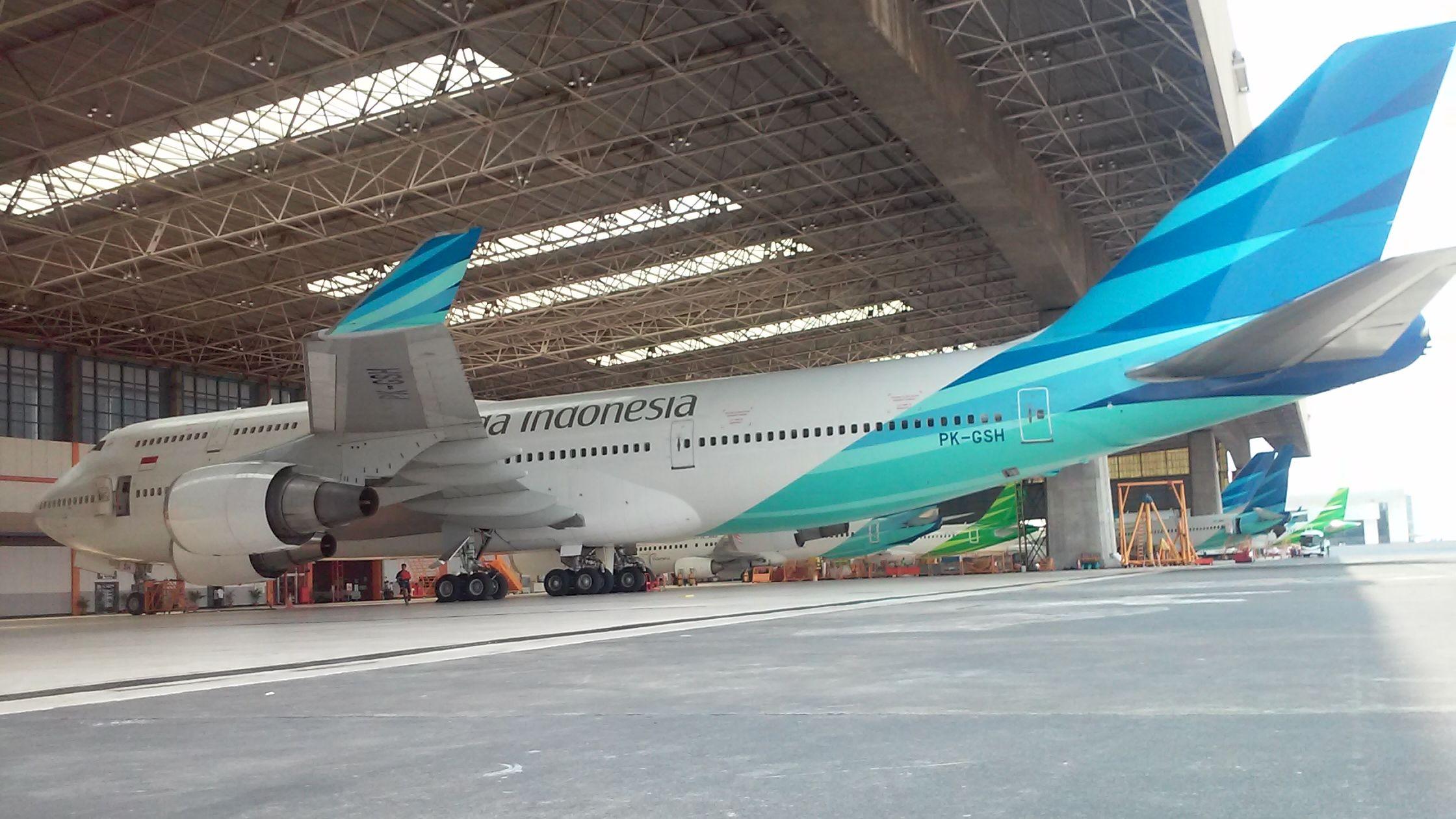 Boeing 747-4U3