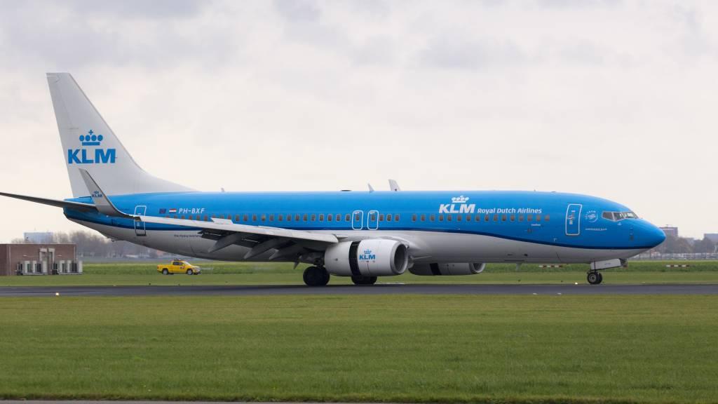Boeing 737-8K2 WL
