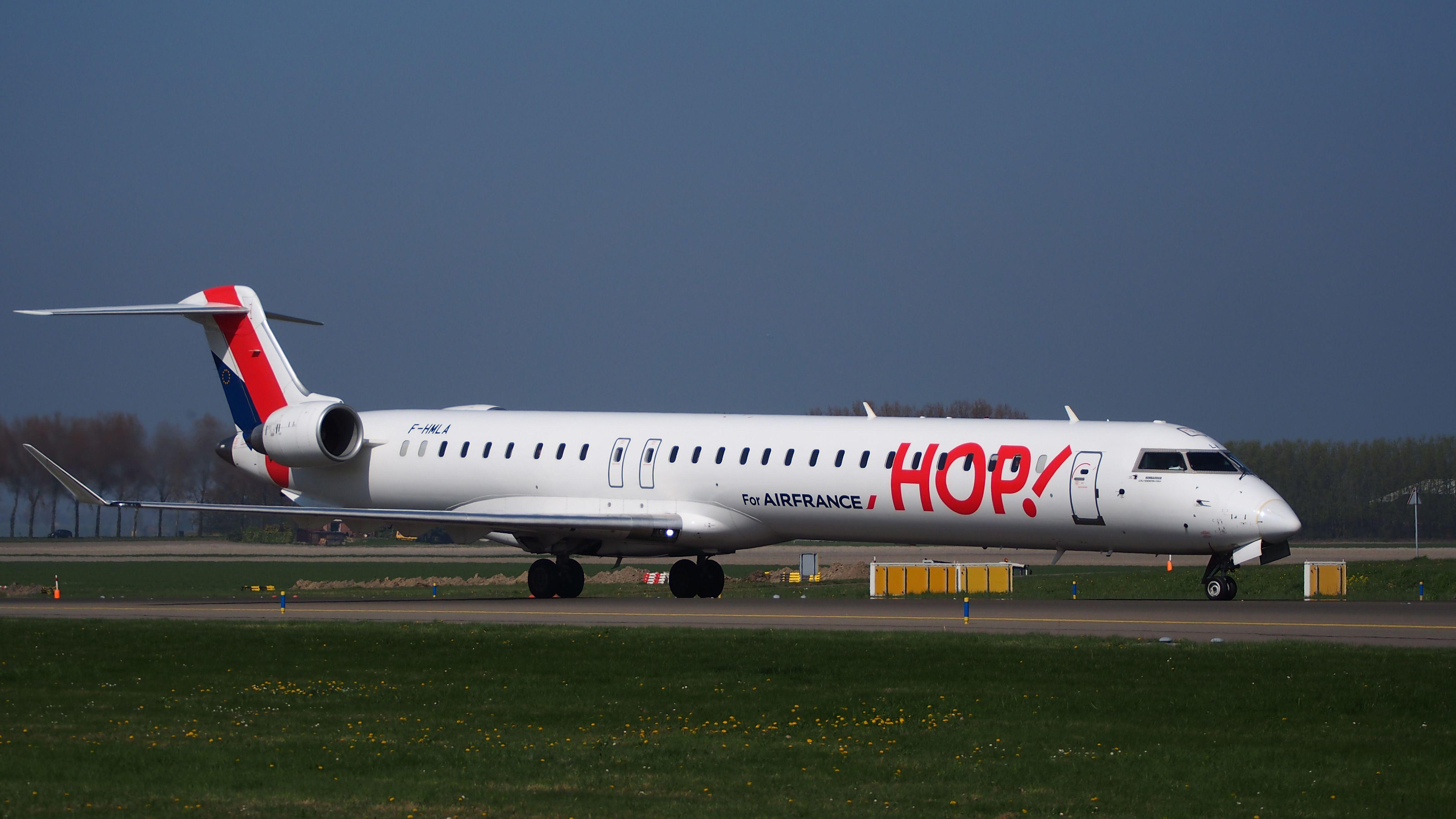Canadair CL-600-2E25 Regional Jet CRJ-1000EL