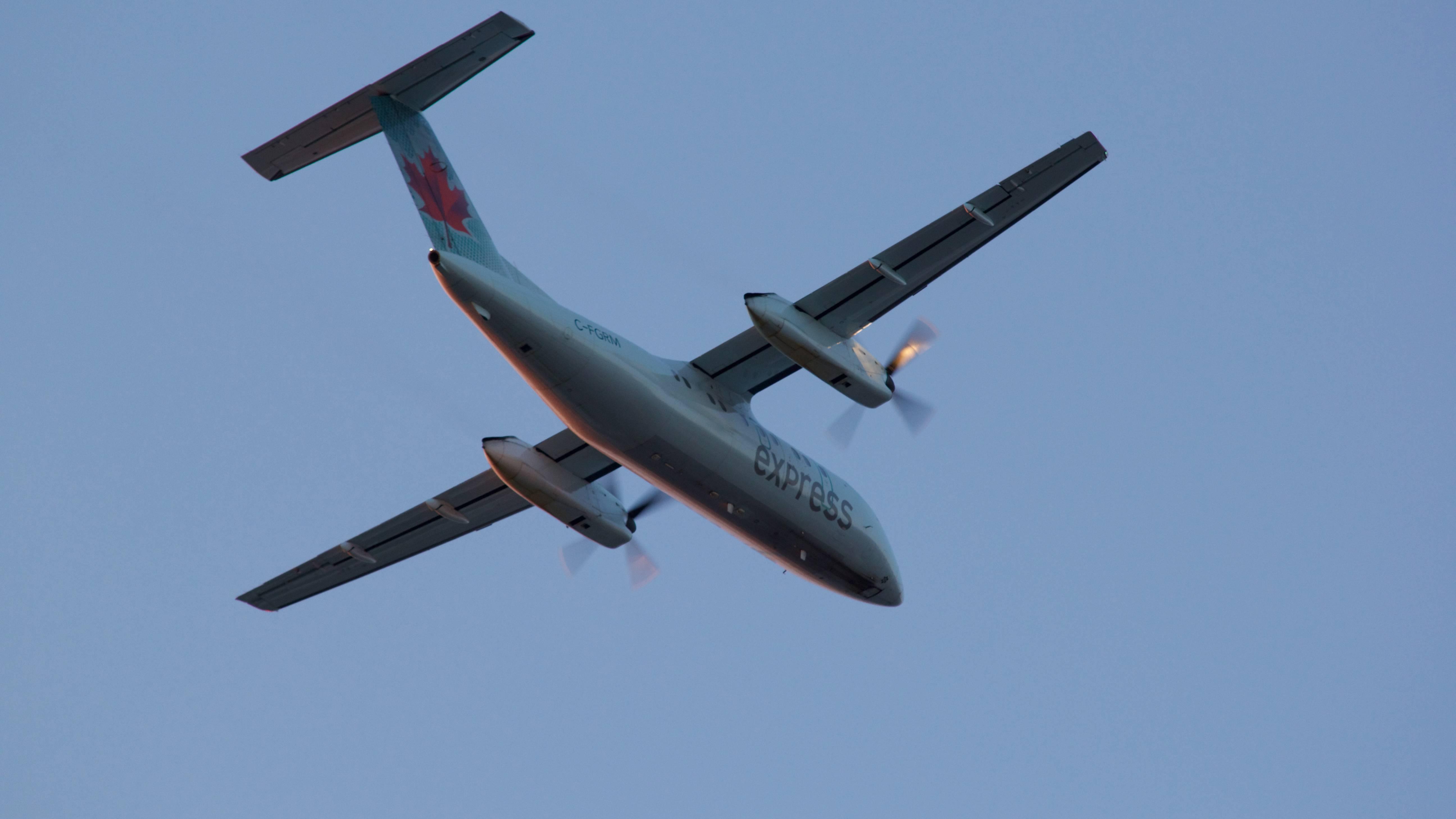 De Havilland Canada DHC-8-301 Dash 8