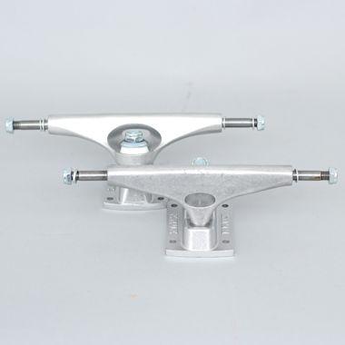 Krux 9.0 Trucks Silver