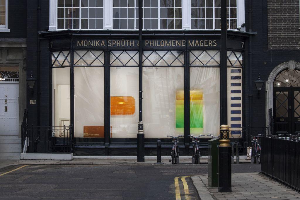 Crossroads: Kauffman, Judd and Morris – Group Exhibition – London