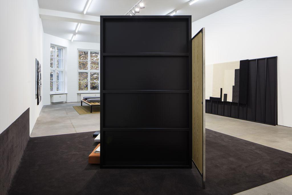Andrea Zittel – Parallel Planar Panels – Berlin