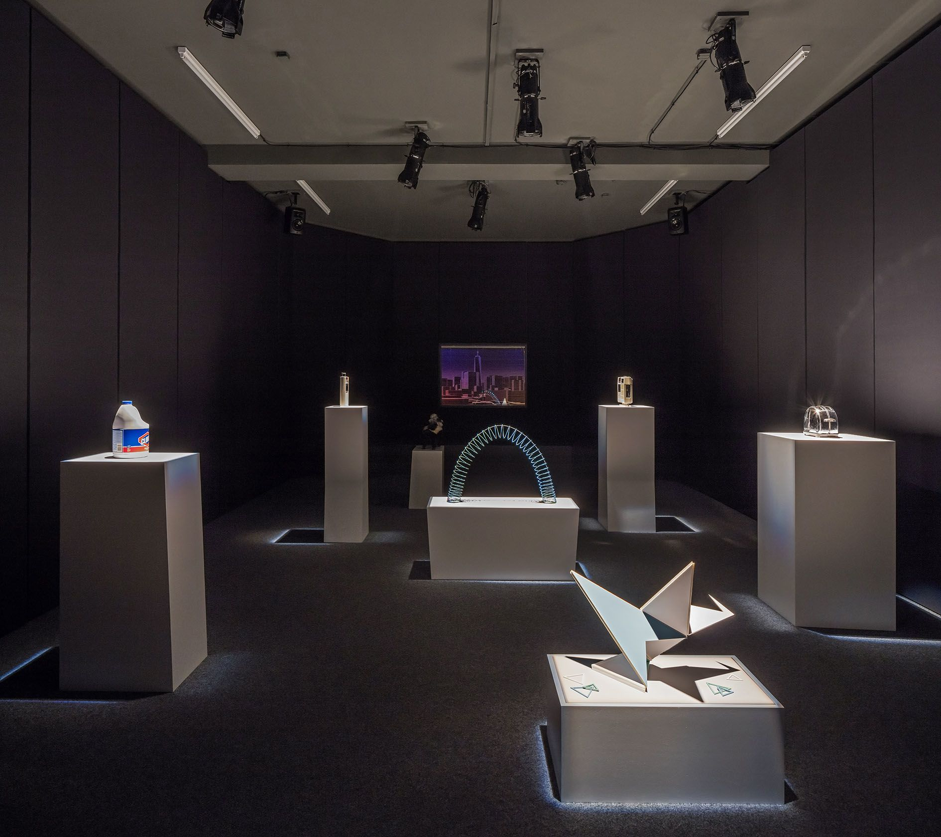 Alexandre Singh – The School for Objects Criticized AE – Berlin