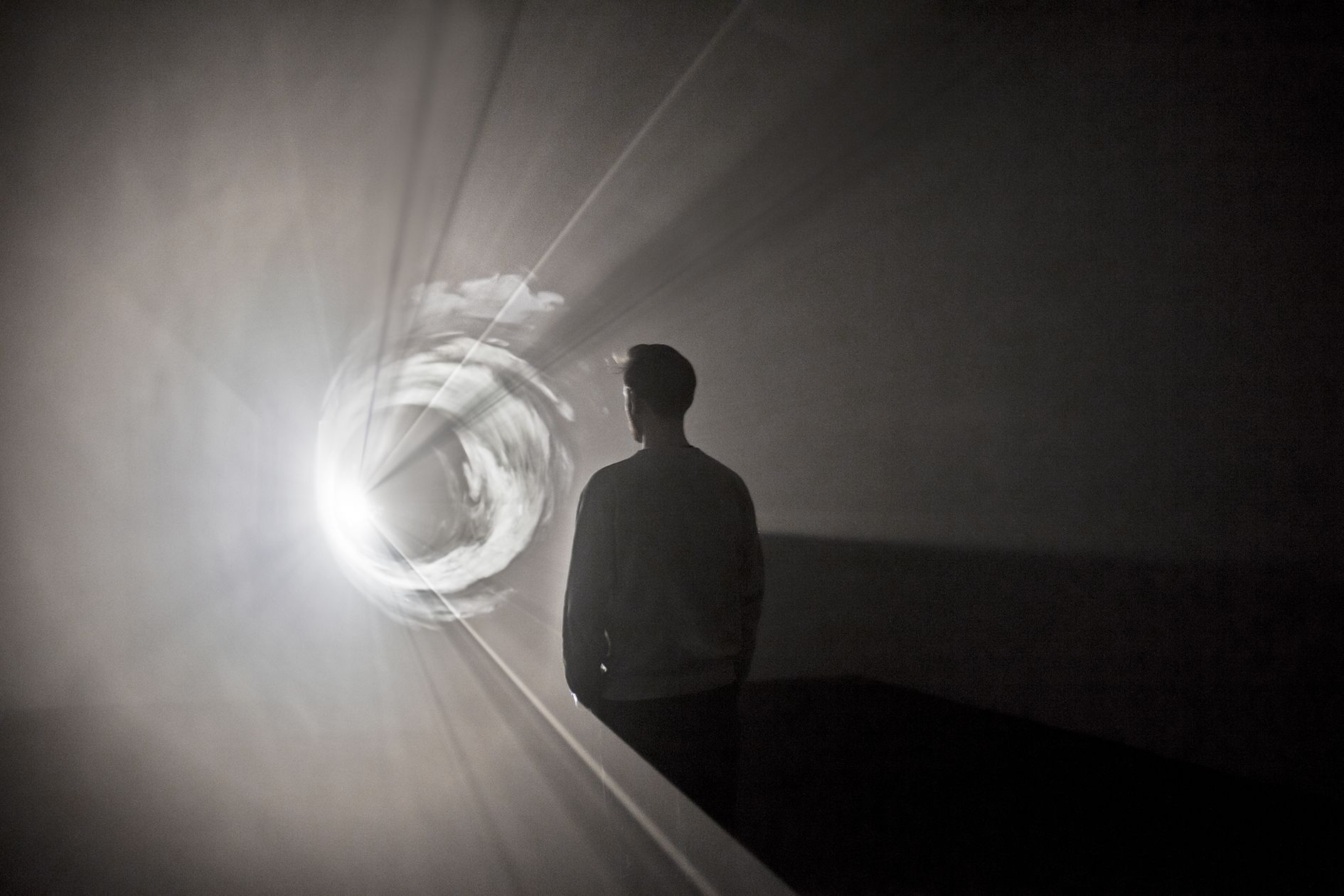 Anthony McCall – 1970s Solid-Light Works – Berlin