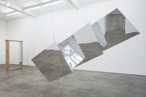 Robert Morris – Refractions – Berlin