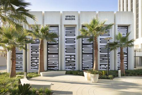 Barbara Kruger – Untitled (Who?) – Los Angeles