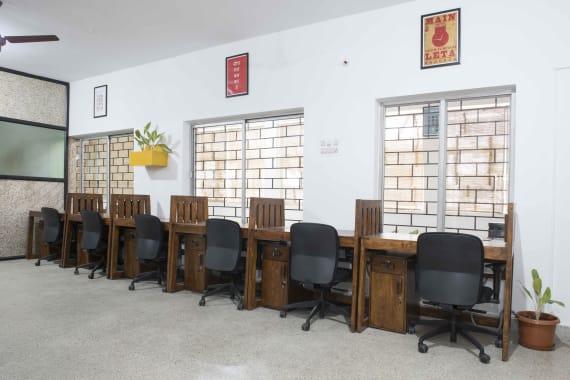 16 seaters Open Desk Bangalore Sadashivanagar share-studio