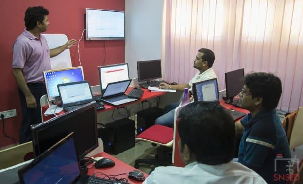 7 seaters Training Room Kolkata Salt Lake etechguys
