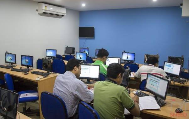 20 seaters Training Room Kolkata Salt Lake etechguys