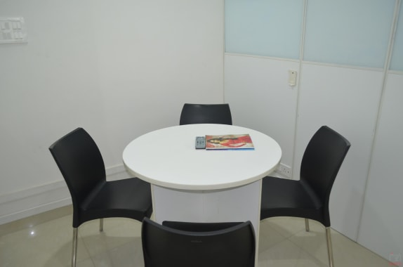4 seaters Meeting Room Hyderabad Begumpet technals-coworking
