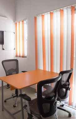 3 seaters Private Room Pune Aundh share-a-space