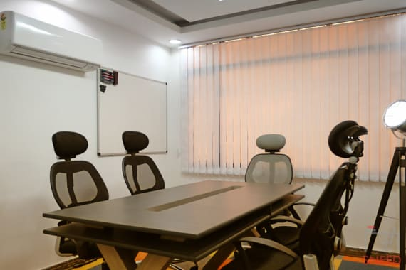 4 seaters Meeting Room New Delhi Okhla sproutbox-suryavilas