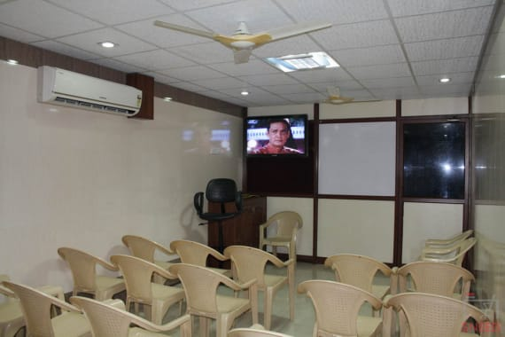 30 seaters Training Room Chennai Nungambakkam trust-conference