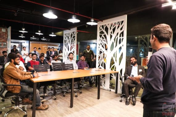 10 seaters Meeting Room Gurgaon Udyog Vihar incuspaze---udyog-vihar