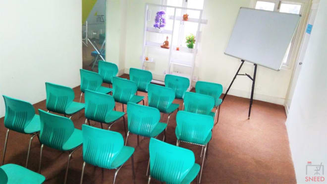 20 seaters Training Room New Delhi Connaught Place stirring-minds