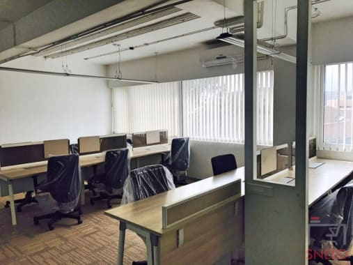 26 seaters Private Room Bangalore Old Airport Road tablespace