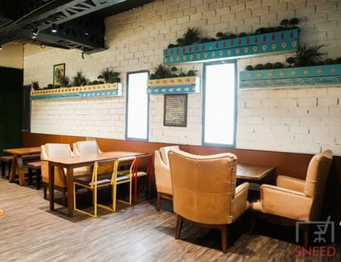 40 seaters Open Desk New Delhi Connaught Place flyp-@-mtv-coworking-space-in-central-delhi---myhq