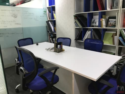 6 seaters Meeting Room Gurgaon Sohna Road gohive-vipul-trade-center