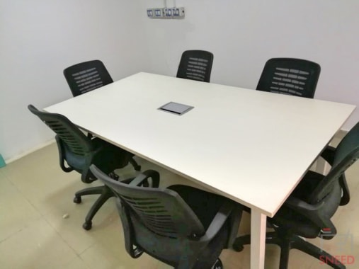 6 seaters Meeting Room Chennai Anna Salai spacelance-chennai
