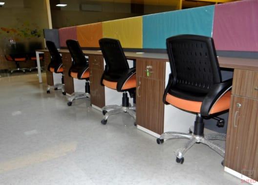 12 seaters Open Desk Noida Sector 63 qbicals
