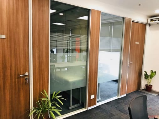 4 seaters Meeting Room Gurgaon HUDA City Centre the-office-pass-unitech-cyber-park
