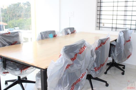 5 seaters Meeting Room Bangalore HSR cuble-workspace