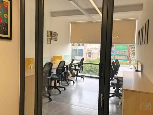 8 seaters Private Room Bangalore Domlur workden-old-airport-road