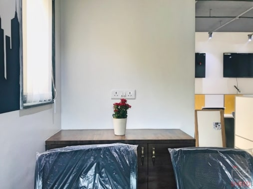 10 seaters Open Desk Pune Sinhagad Road eviox-shared-office