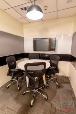 4 seaters Meeting Room Mumbai Andheri workwise-andheri