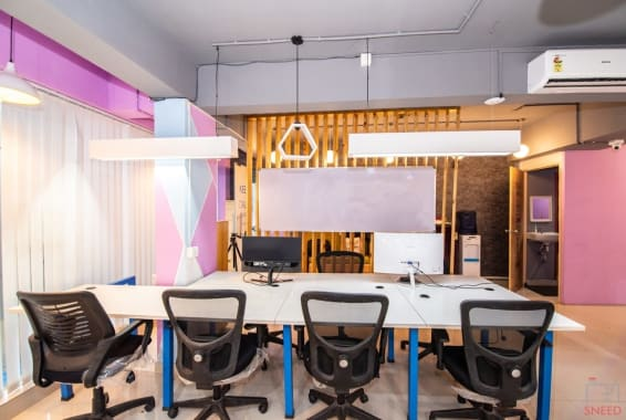 100 seaters Open Desk Bangalore Indiranagar urban-vault-indiranagar-2024
