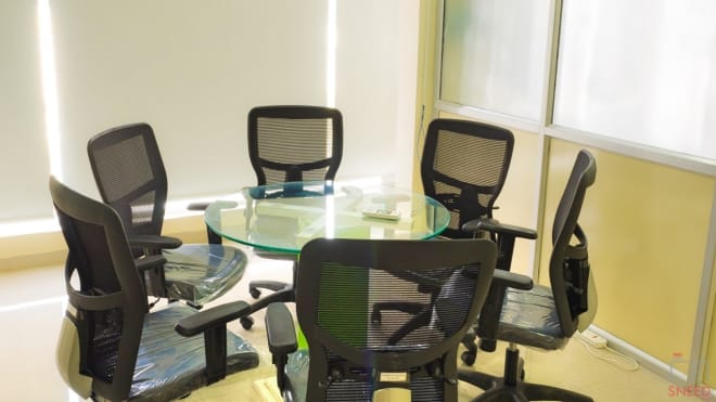 6 seaters Meeting Room Bangalore Marathahalli inspire-workplace
