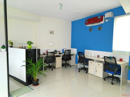 13 seaters Open Desk Bangalore Marathahalli inspire-workplace