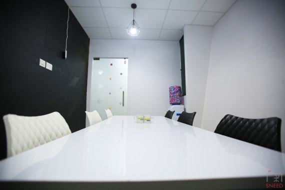 8 seaters Meeting Room Chennai Anna Salai hashtag-startup