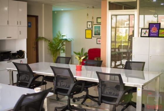 29 seaters Open Desk Lucknow Vibhuti Khand collab-cowork