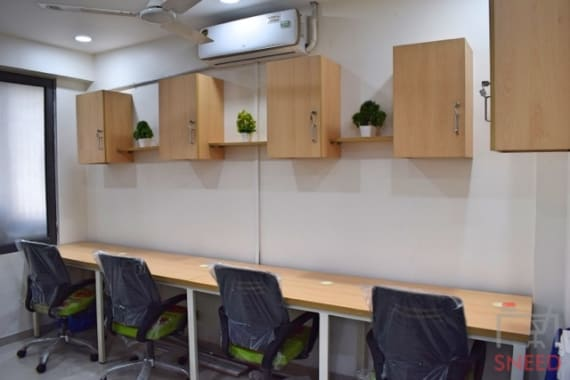 5 seaters Open Desk Ahmedabad Vastrapur coworkaholic