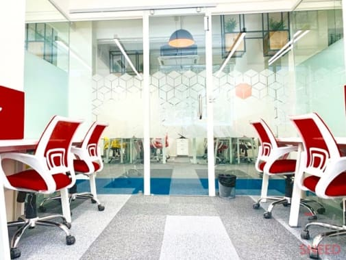 4 seaters Private Room Noida Sector 4 execube