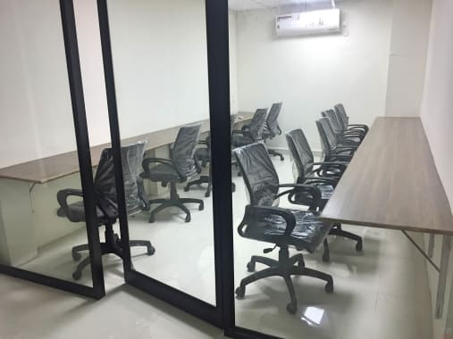 10 seaters Private Room Hyderabad Hitech City indesk-space