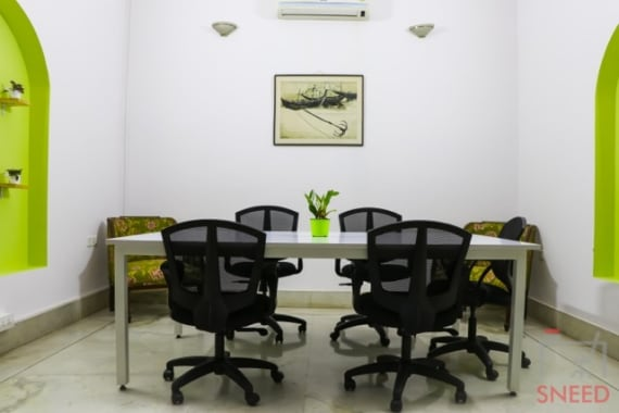 8 seaters Meeting Room Bangalore Cunningham Road hobnob-space
